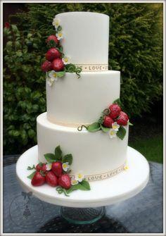 A Wimbledon Wedding Cake