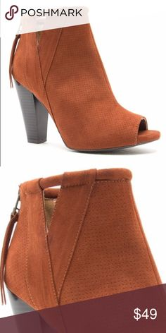 Fun Fall Ankle Boot Perfect Ankle Boot for this Fall season! Color is Whiskey! Boutique Shoes Ankle Boots & Booties