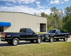 Gm Trucks, Pickup Trucks, Classic Trucks, Classic Cars, 1994 Chevy Silverado, Dropped Trucks, Future Trucks, Garage Art, Chevrolet Trucks