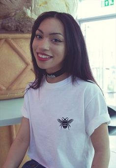 Baby bee Embroidered White cropped t-shirt
