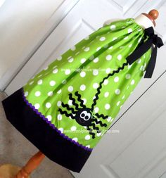 Girlie Spider Black/Green/Purple Polka Dot pillowcase dress. Perfect for Halloween party, pumpkin patch, etc.
