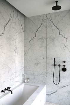 Home Decor Inspiration : Showroom for The Bryant 2015 Design by David Chipperfield Architects cen Modern Bathroom Design, Bathroom Interior Design, Home Interior, Interior Colors, Interior Plants, Kitchen Interior, Modern Interior, Bad Inspiration, Bathroom Inspiration