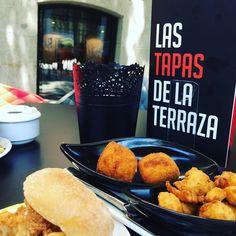 #verano #terraza #cañas #tapas La felicidad en cuatro palabras. He dicho. #diferentmadrid #diferent #restaurantesmadrid #cibeles #retiro #puertadealcala #madrid