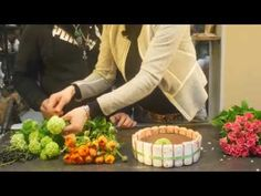 Art floral : une composition florale moderne - YouTube