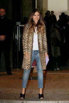 Miroslava-Duma-Arrivals-at-Giorgio-Armani-Fashion-Show-SS-2016--01-662x993