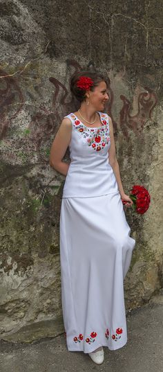 Matyó mintás menyasszonyi ruha