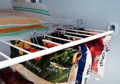 Best Cleaning and Organizing Tips - Best Home Hacks - Good Housekeeping Hang freezer bags from wire shelves using binder clips Organisation Hacks, Freezer Organization, Organizing Hacks, Organizing Your Home, Kitchen Organization, Cleaning Hacks, Freezer Storage, Organize Freezer, Rv Hacks
