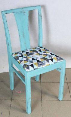 Relacja z trzecich warsztatów. Malowanie i tapicerowanie mebli - blog diy Teak, Dining Chairs, Shabby, Blog, Diy, Furniture, Home Decor, Decoration Home, Bricolage