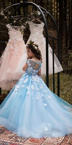Unique Tulle & Elasticated Net Bateau Neckline Ball Gown Flower Girl Dresses With flowers & Hot Fix Rhinestones Source by pri_bianchi Ball gowns Kids Party Wear Dresses, Dresses Kids Girl, Birthday Dresses, Pageant Dresses, Quinceanera Dresses, Flower Girl Dresses, Kids Gown, Girl Dress Patterns, Quince Dresses
