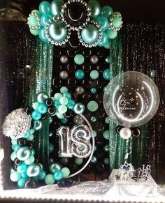 You have a party coming up and you have made the effort of finding the perfect party balloons. Well, it's one thing to find the best balloons Balloon Wall, Balloon Garland, Balloon Ideas, 18th Birthday Party, Birthday Party Decorations, Balloons Galore, Balloon Centerpieces, Festa Party, Balloon Bouquet