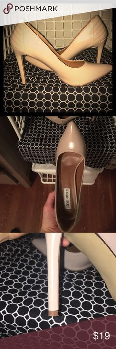 """Nude Steve Madden Pumps w/ Quilted Heel The back details """"pumps"""" these up (🙃). Worn once for a wedding. Matches everything! 4 1/4 inch heel. Steve Madden Shoes Heels"""