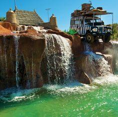 Ven al Sol Katmandu Park & Resort, el único hotel en Mallorca en el que te alojarás en un parque de atracciones temático a solo unos pasos de la playa.  Entra en un mundo mítico de aventuras inesperadas, emocionantes atracciones y el sorprendente Splash Pak para una diversión inolvidable. ¿Te lo vas a perder?  Barceló Viajes ¡No dejes de viajar!  Información y reservas siguiendo nuestro enlace ☛☛☛ http://j.mp/1mR481t