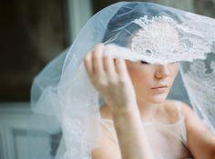 Photo: Katja Scherle Festtagsfotografien, Brautschleier Spitze, bridal veil lace