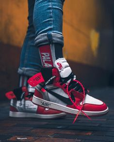 Price of cheap Nike Off-White Air Jordan 1 Red / OW copy sneakers Me Too Shoes, Men's Shoes, Shoes Sneakers, Sneakers Design, Mcqueen Sneakers, Swag Shoes, Rare Sneakers, Gucci Sneakers, Black Sneakers