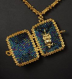 Princess Natalia's Locket A Beadwoven Necklace Tutorial image 4 Jewelry Show, Jewelry Design, Jewelry Making, Beading Tutorials, Beading Patterns, Beaded Jewelry, Beaded Necklace, Jewellery, Locket Necklace