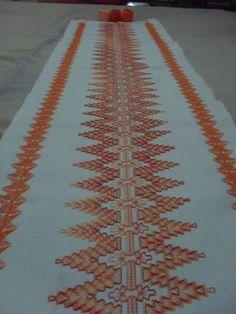 Caminho de mesa - Laranja mesclado *-*