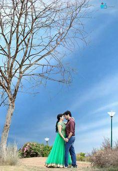 Kerala Wedding Photography, Wedding Couple Poses Photography, Couple Photoshoot Poses, Photography Styles, Couple Portraits, Pre Wedding Shoot Ideas, Pre Wedding Poses, Pre Wedding Photoshoot, Wedding Canvas