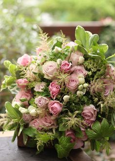 Exotic Flowers, Green Flowers, Beautiful Flowers, Flowers Garden, Yellow Roses, Pink Roses, Flowers For Algernon, Unique Flower Arrangements, Flower Images
