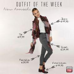 Deze week komen alle trends bij elkaar in één outfit! Dit opvallende jasje met franjes van Vero Moda, gecombineerd met een colletje en een hippe pantalon van Vila maakt de basis van de outfit.  Gematched met een mooie sjaal en glanzende college schoentjes is deze outfit helemaal on point, ready to start a new week!