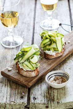Zucchini & Goat Cheese Bruschetta #recipe #food #lunch #snack #appetizer #wine