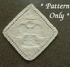 Knitting pattern for Angel Wash Cloth - Finished dimensions will be approx. 7″ x 7″ [18cm X 18cm]