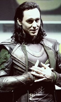 Why we love Tom Hiddleston. He went as Loki to comic con!!!