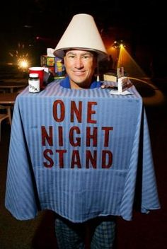 One Night Stand Halloween Costume. Hubbel this is what you call and broke girls Halloween costume Meme Costume, Pun Costumes, Easy Funny Halloween Costumes, Halloween Costume Contest, Cool Costumes, Halloween Halloween, Group Halloween, Group Costumes, Halloween Couples
