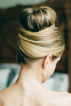 Wedding hairstyle idea; Featured Photographer: Dana Fernandez Photography