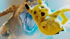 The first trailer for Detective Pikachu features tons of Pokemon and here are all of the ones we were able to spot. Pikachu Pikachu, Pikachu Mignon, Play Pokemon, Detective, Rio Movie, Really Good Movies, Charizard, Disney Movies, Baby Animals