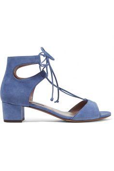 Se acabó el dolor de pies en las bodas. Si este año tienes alguna a la vista, te invitamos a optar por sandalias de tacón bajito o planas. Aquí tienes un montón entre las que elegir. #bodas #invitada #moda #zapatos #sandalias