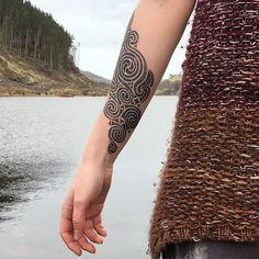 With Beth's permission, here's a closer image of her tattoo so far. This will be a full sleeve eventually in the celtic swirly La Tene style. Technical terms, right? :D #celtic #celtictattoo #welsh #welshtattoo #tatw #cymraeg