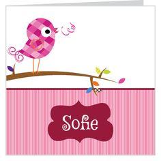 Vrolijk #meisjes #geboortekaartje met een geruit #vogeltje op een tak. Je kunt het ontwerp geheel naar wens aanpassen door plaatjes van kleur te veranderen of zelfs te vervangen door bijpassende figuurtjes uit onze beeldenmap. Kortom, je maakt het jouw unieke kaartje op www.babyboefjes.nl Direct het kaartje bewerken: http://www.babyboefjes.nl/geboortekaartje-01-1-0359.html