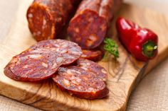 10 dishes to cook with chorizo: recipes and tips pork sausage Homemade Sausage Recipes, Chorizo Recipes, Pork Recipes, Mexican Food Recipes, Homemade Chorizo, Spanish Tapas, Spanish Food, Spanish Style, Cooking Chef