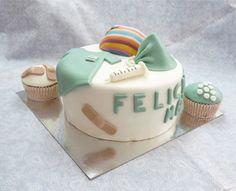 Estrade's cakes: tarta para enfermera de quirófano, decorada con fondant