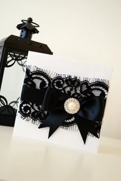 I really like this ribbon, bow ad brooch, something we can do on girls, or my bouquet