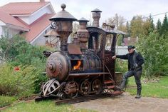 ...and the award for the most awesome, steampunk barbecue goes to: http://www.homecrux.com/2013/04/25/5855/steampunk-bbq-grill-in-form-of-a-locomotive-engine.html