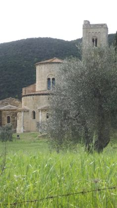 ABBAZIA DI / ABBAYE DE / ABBEY OF SANT'ANTIMO