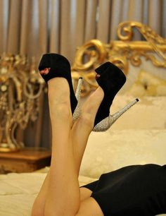 Peep Toe Heels and Sexy Legs Prom Heels, Sexy Heels, Black Heels, High Heels, Stilettos, Pump Shoes, Shoe Boots, Shoes Heels, Fab Shoes