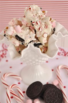 Peppermint Cookie Bark   #christmas #xmas #holiday #food #desserts