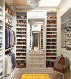 New Begehbarer Kleiderschrank Ein begehbarer Kleiderschrank hat vor allem die Aufgaben mehr Ordnung f r Ihre Bekleidung und Schuhe zu schaffen Anhand einiger