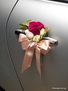 how sweet to find this little bouquet tied with a pretty ribbon on your door