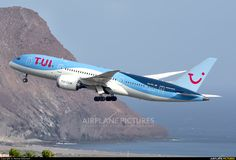 TUI Airlines Netherlands Boeing Dreamliner photo by Manuel EstevezR Boeing 787 Dreamliner, Boeing 787 8, Tui Group, International Civil Aviation Organization, Airport Design, Wide Body, Aircraft Pictures, Military Aircraft, Picture Photo