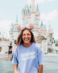 oh mickey don't you know that i'm your biggest fan! oh mickey don't you know that i'm your biggest fan! Disney World Outfits, Disneyland Outfits, Cute Disney Outfits, Disney Clothes, The Aristocats, Disney World Pictures, Cute Disney Pictures, The Jungle Book, Disney Day