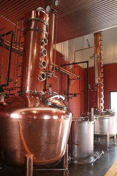 Learn how to open your own distillery at Moonshine University. Registration for 2016 is now open. Rye Bourbon, Bourbon Drinks, Scotch Whiskey, Irish Whiskey, Whiskey Distillery, Whisky, Brewery, Alcohol Spirits, Moonshine Still