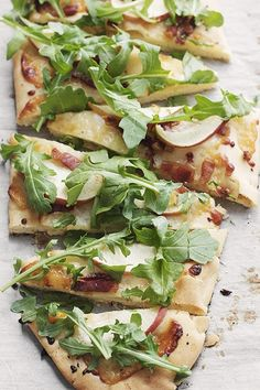 15 Flatbread Recipes That Are Better Than Pizza via @PureWow