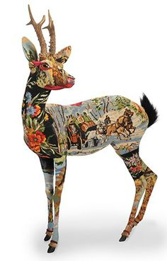 Paris-based artist Frédérique Morrel resurrects old tapestries in her wondrous animal sculptures. Morrel uses the tapestries to form colorful skins for her creatures, which range from deer to unico. Textile Sculpture, Soft Sculpture, Textile Art, Horse Sculpture, Frederique, Textiles, Paperclay, Animal Heads, Animal Sculptures