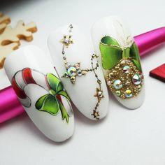 Fotos Video Maniküreunterricht - New Ideas Nail Art Noel, Xmas Nail Art, Christmas Gel Nails, Holiday Nail Art, Christmas Nail Art Designs, New Year's Nails, Diy Nails, Cute Nails, Pretty Nails