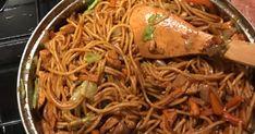 Mennyei Kínai hagymás csirkemell pirított tésztával recept! Cocktail Recipes, Cocktails, Drinks, Wok, Japchae, Food And Drink, Cooking Recipes, Meals, Ethnic Recipes