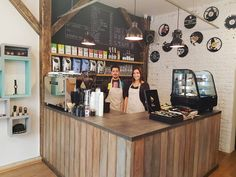 Vinyl and wood is an urban café and a small design shop in one place.