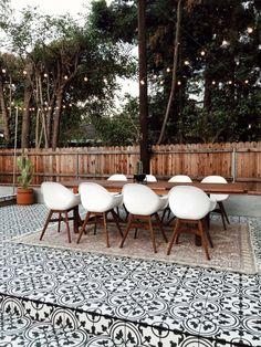 The Happiness of Having Yard Patios – Outdoor Patio Decor Outdoor Decor, Backyard Dining, Outdoor Living Space Design, Outdoor Tiles, Outdoor Remodel, Outdoor Patio Decor, Outdoor Furniture, Adirondack Furniture, Patio Tiles